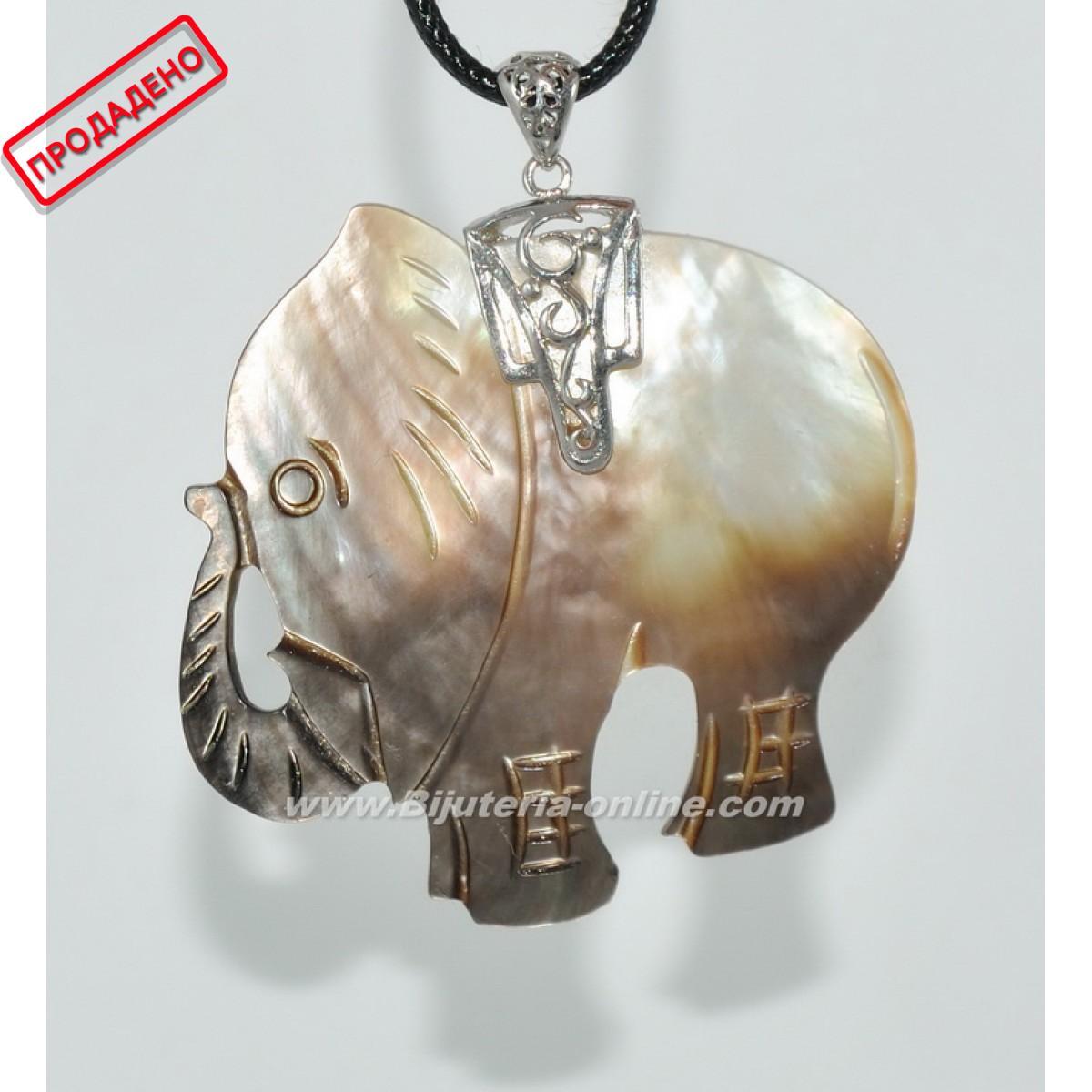 Висулка слон от седеф